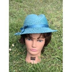 Chapeau turquoise ruban satin